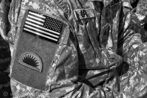 Mazar-e-Sharif, Afghanistan, 17.02.2007. US Soldaten warten am Flughafen in Mazar-e-Sharif, Afghanistan am 17.02.2007. Hier ein Detail des Uniforms eines Soldaten einer Night-Vision-Einheit. (c) Jose Giribas Urheber Nr. 528593 VG Bild-Kunst. Perleberger Str. 27 D-10559 Bln. Tel./Fax: +4930/3964190 Funktel.: 0171/83 76 123 Email: giriphoto@aol.com N O R I S B A N K AG Kto: 40 4999 2004 BLZ: 760 260 00 Foto ist Honorarpflichtig und nur zur redaktionellen Verwendung, No Model Release